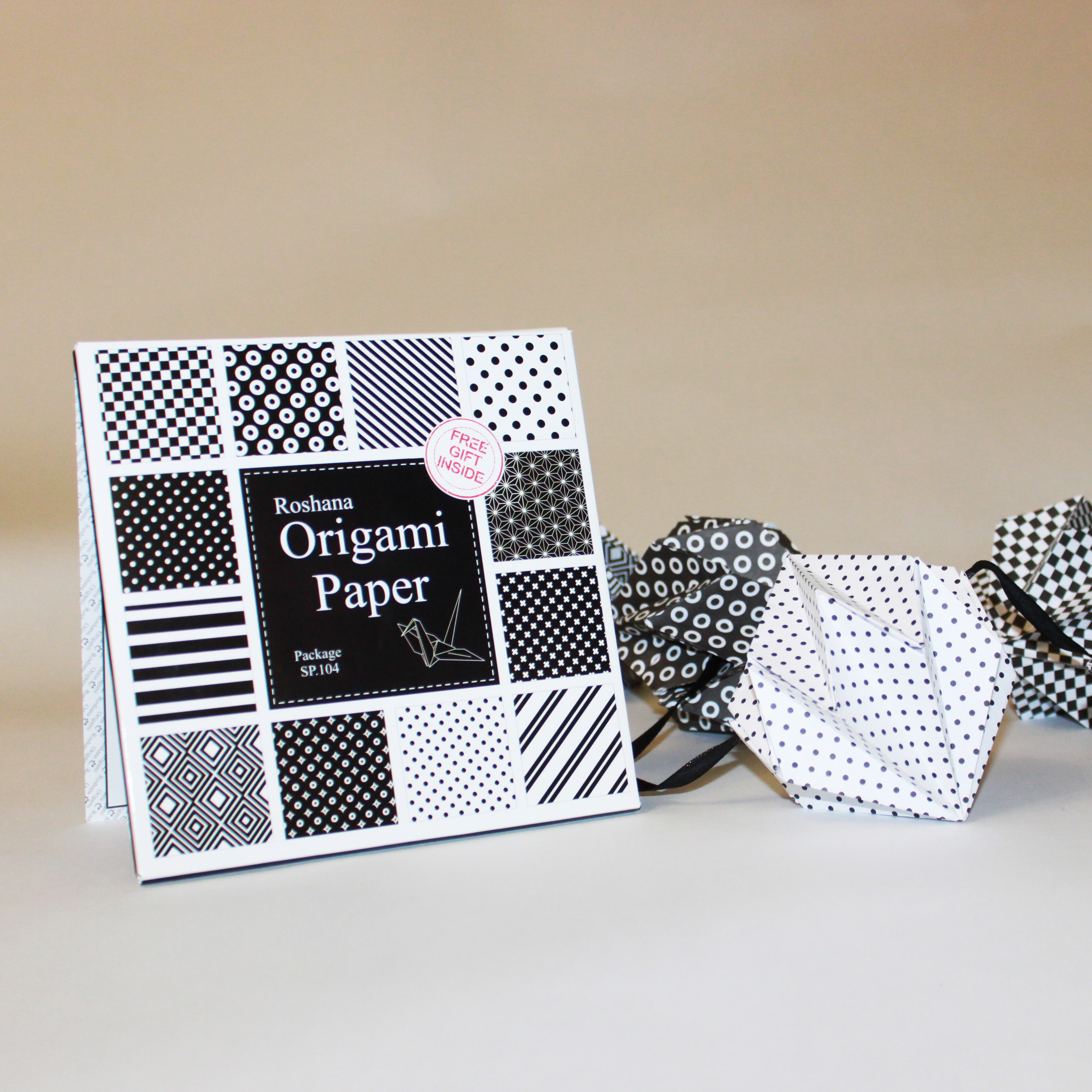 ۴۸ برگ کاغذ اوریگامی سیاه و سفید - کازیه