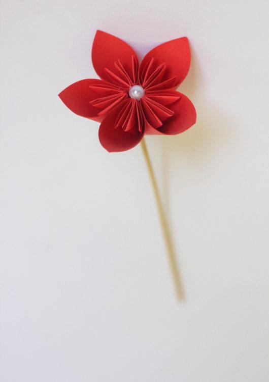 گل اوریگامی قرمز - کازیه
